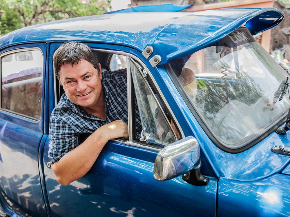 Mike Brewer TV | Photo Gallery | Mike Brewer in India filming Trading Up
