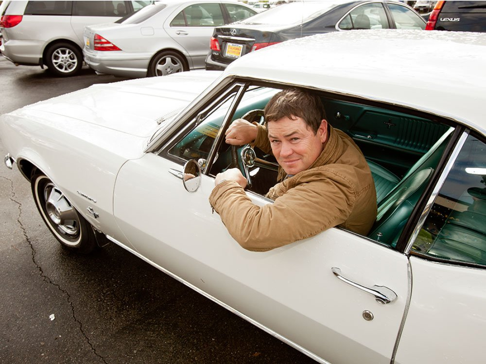 Mike Brewer TV | Photo Gallery | Mike Brewer inside car