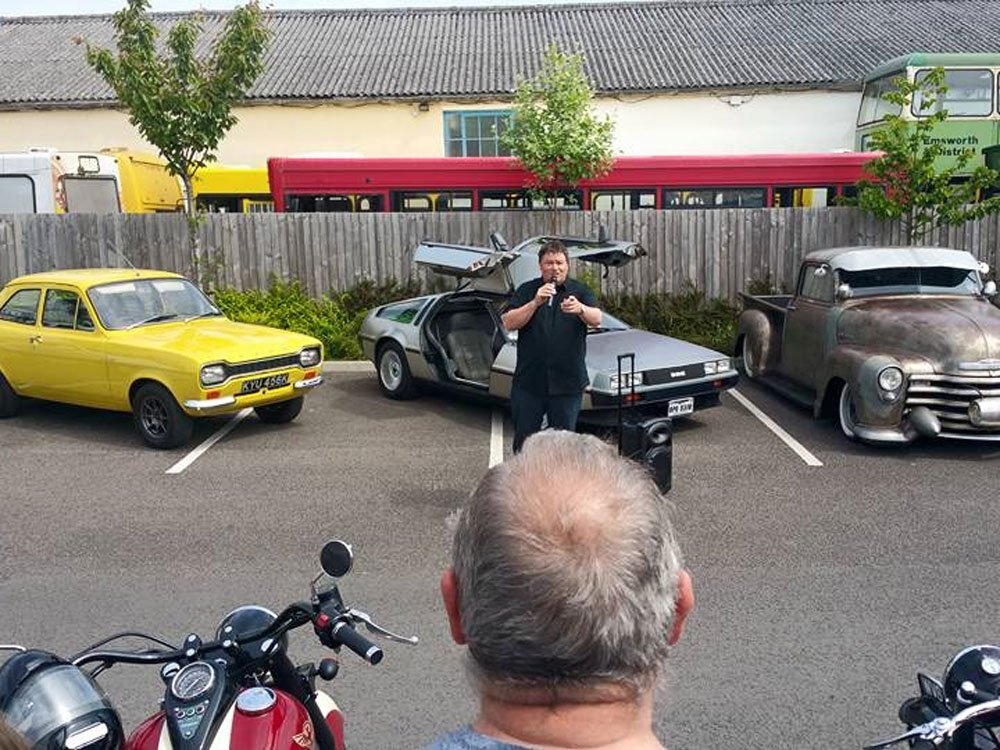 Mike Brewer TV | Photo Gallery | Mike Brewer filming at Comet Classics