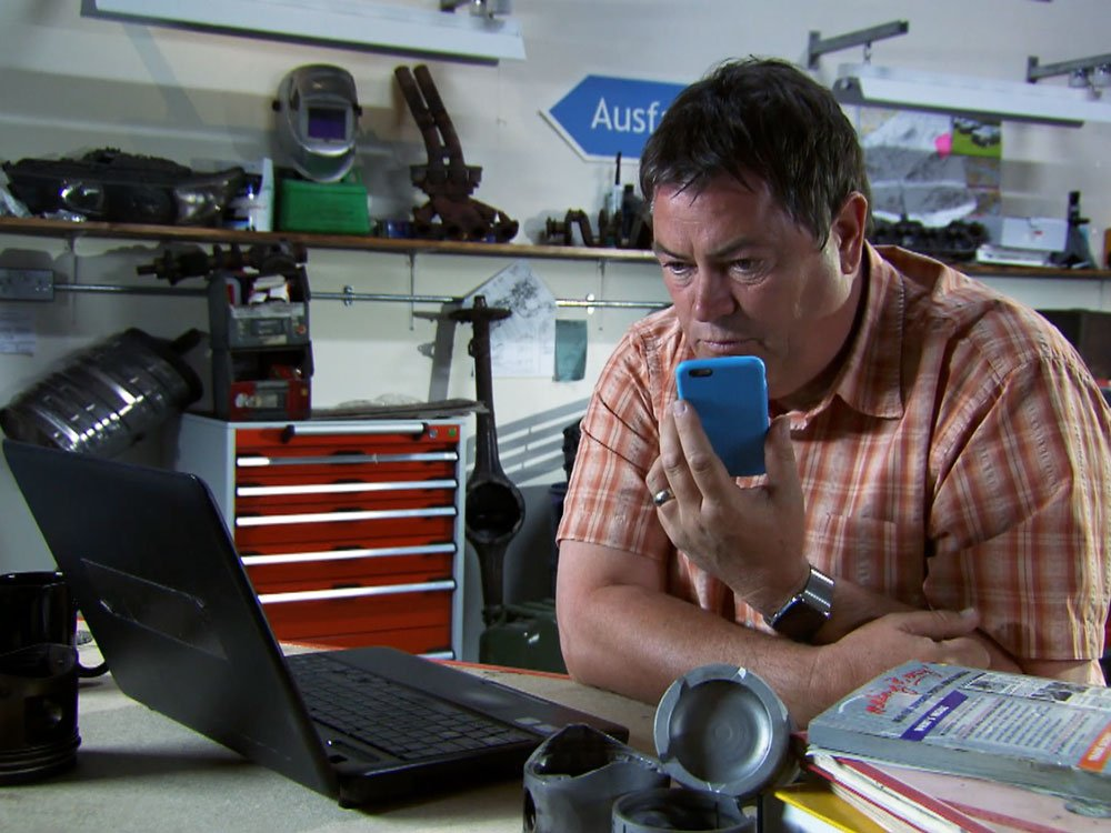 Mike Brewer TV | Photo Gallery | Mike Brewer on the phone